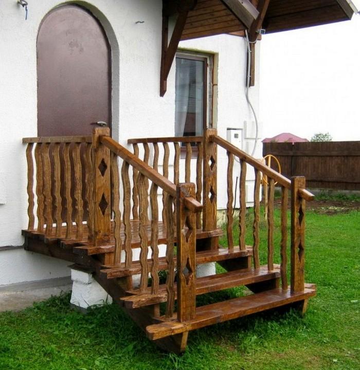 деревянное крыльцо
