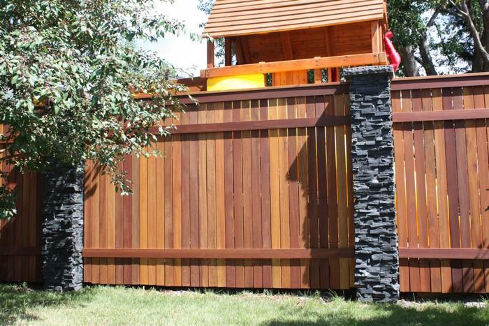 забор из ламелей